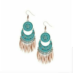 Jewelry - Boho chic earrings